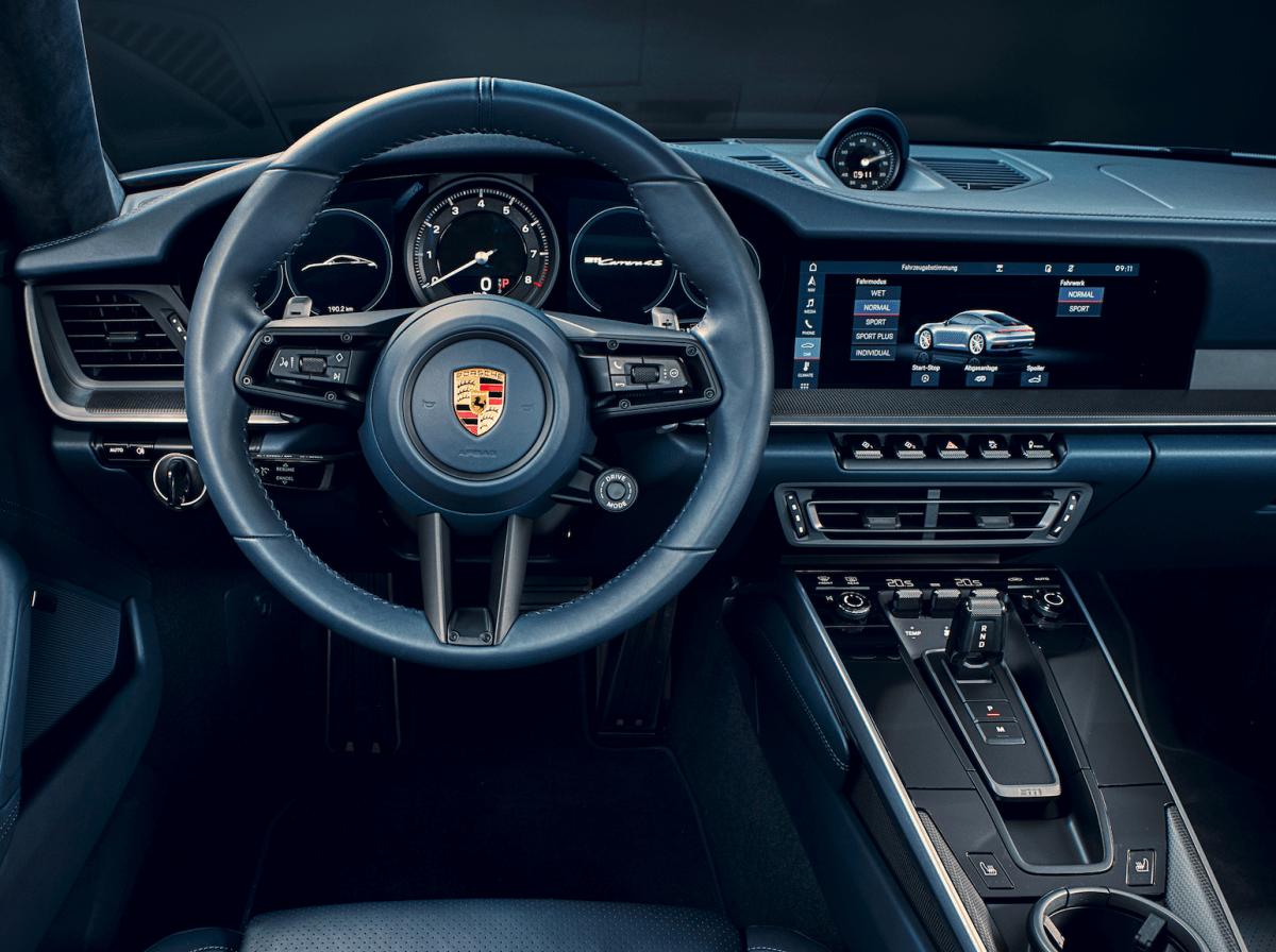Porsche992-innen